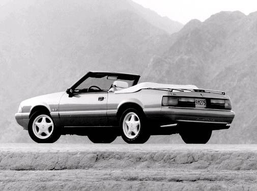 Most Fuel Efficient Convertibles of 1992 - 1992 Ford Mustang