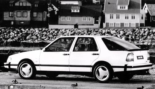 Highest Horsepower Hatchbacks of 1992 - 1992 Saab 9000