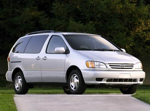 Most Popular Van/Minivans of 2002 - 2002 Toyota Sienna