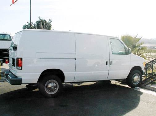 Top Consumer Rated Van/Minivans of 2003 - 2003 Ford E150 Super Duty Cargo