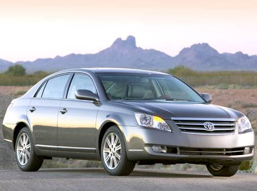 Top Consumer Rated Sedans of 2005 - 2005 Toyota Avalon