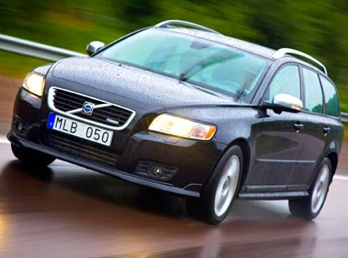 Most Fuel Efficient Luxury Vehicles of 2010 - 2010 Volvo V50