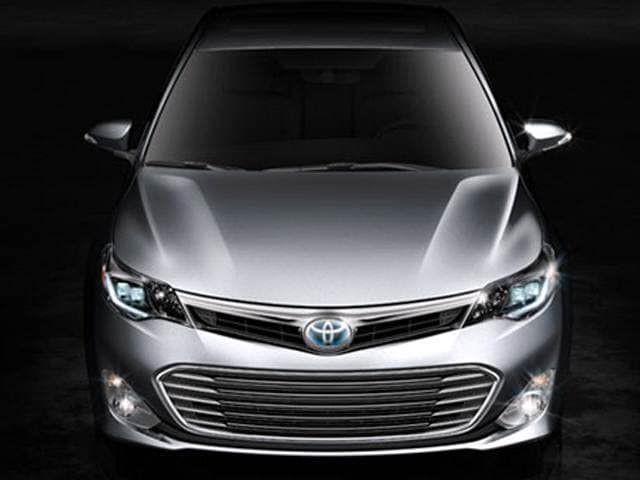 Top Expert Rated Hybrids of 2013 - 2013 Toyota Avalon