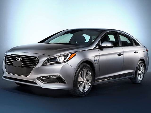 Top Expert Rated Hybrids of 2016 - 2016 Hyundai Sonata Plug-in Hybrid