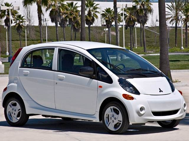 Most Fuel Efficient Electric Cars of 2017 - 2017 Mitsubishi i-MiEV