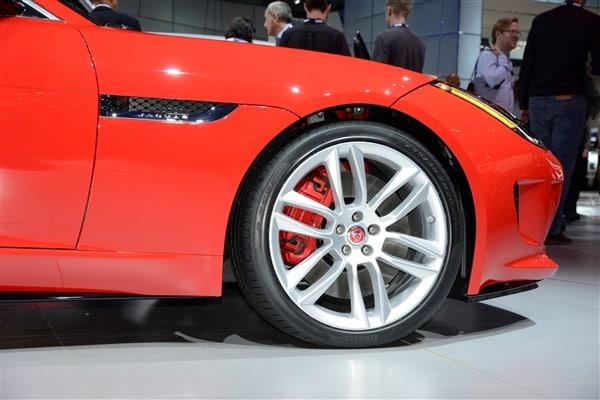 2015 Jaguar F-Type Coupe unveiled 18
