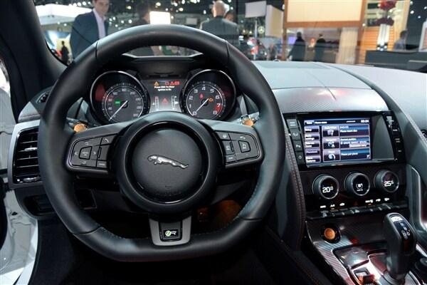 2015 Jaguar F-Type Coupe unveiled 21