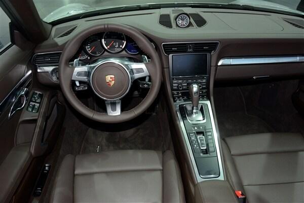 2014 Porsche 911 Turbo/Turbo S Cabriolets unveiled 10