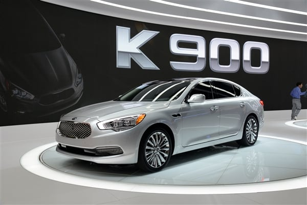 2015 kia k900 new range topping sedan revealed in los. Black Bedroom Furniture Sets. Home Design Ideas