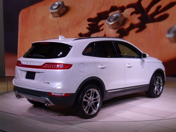 2014 Acura Mdx For Sale >> 2015 Lincoln MKC Crossover unveiled - Kelley Blue Book