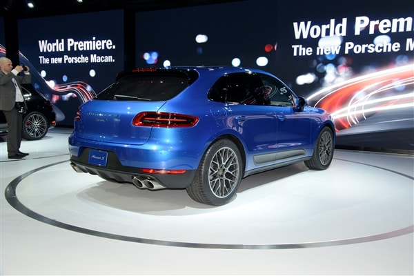 2015 Porsche Macan unveiled at the 2013 Los Angeles Auto Show 7