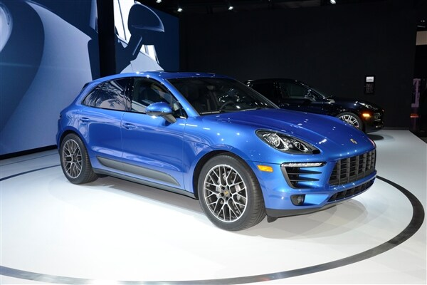2015 Porsche Macan unveiled at the 2013 Los Angeles Auto Show
