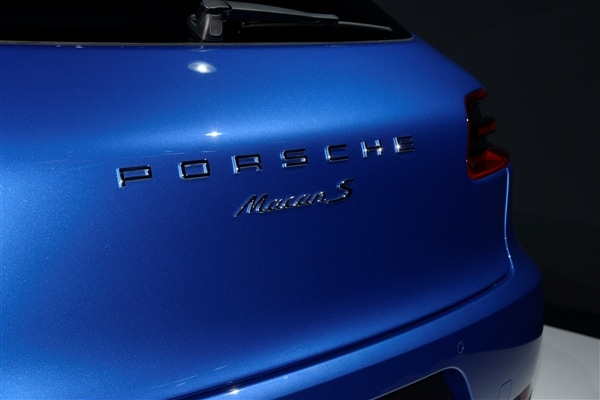 2015 Porsche Macan unveiled at the 2013 Los Angeles Auto Show 17