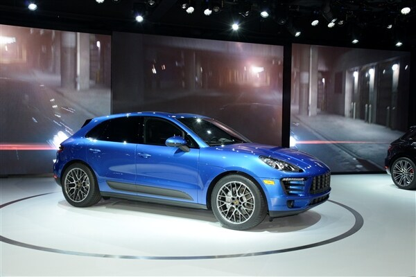2015 Porsche Macan unveiled at the 2013 Los Angeles Auto Show 1