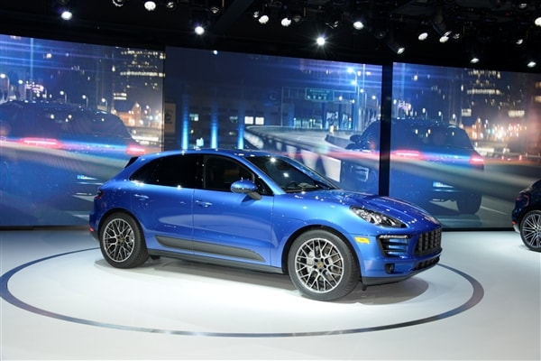2015 Porsche Macan unveiled at the 2013 Los Angeles Auto Show 3