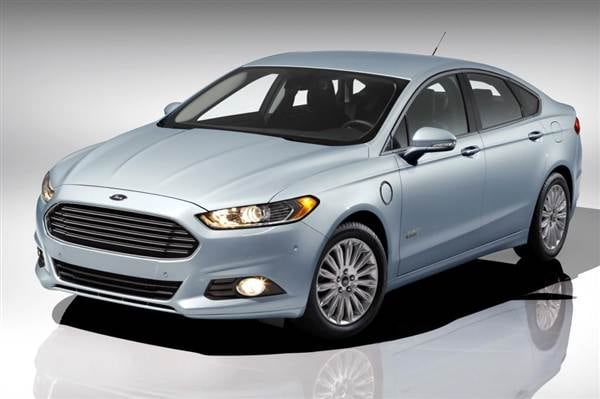 2013 Ford Fusion Energi First Review: Professional Plug-in