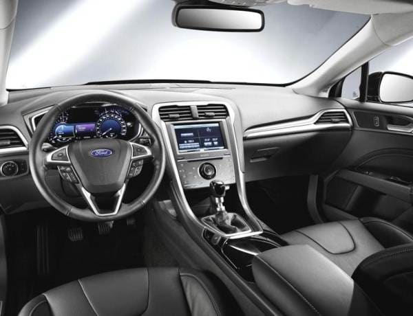 2013-ford-mondeo-front-interior-600-001