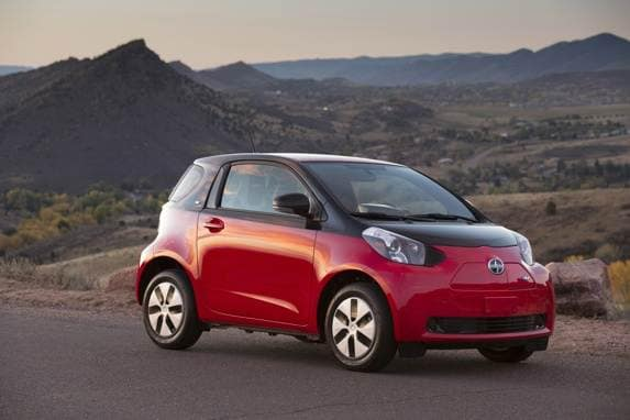 2013_scion_iq_ev_001-600-001