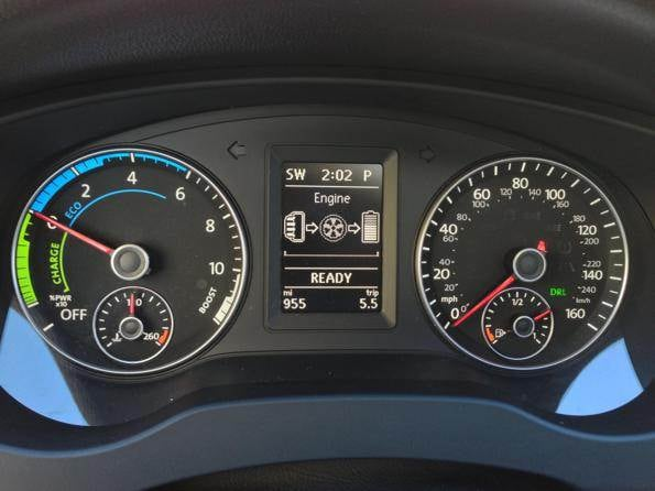 2013-vw-jetta-hybrid-gauges-600-001