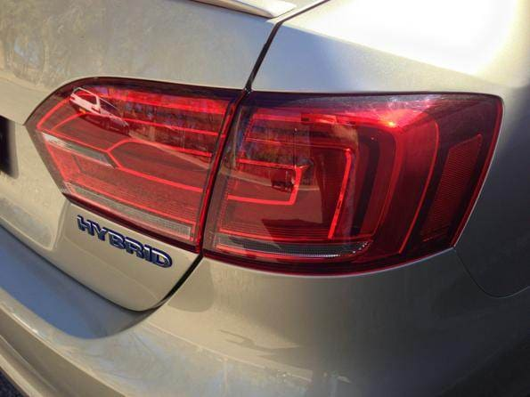2013-vw-jetta-hybrid-taillight-600-001