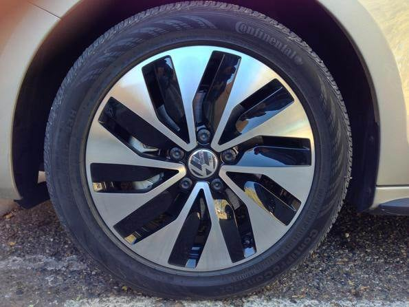 2013-vw-jetta-hybrid-wheel-600-001