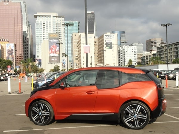 2014 BMW i3 First Review: Paving a new path for electric vehicles 1