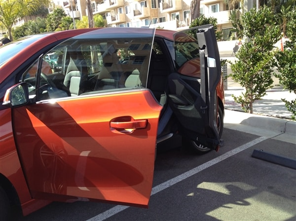 2014 BMW i3 First Review: Paving a new path for electric vehicles 8