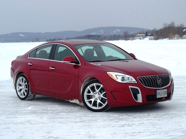 Buick S Decision To Add On Demand All Wheel Drive Models The 2017 Regal Makes Sleek Sporty Sedan Even More Ealing People Who Live In New