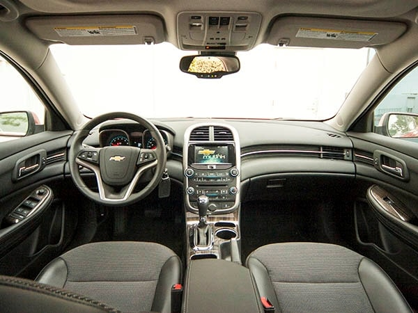 2014 Chevrolet Malibu: Better Than Before, But Still Needs More | Kelley  Blue Book Images