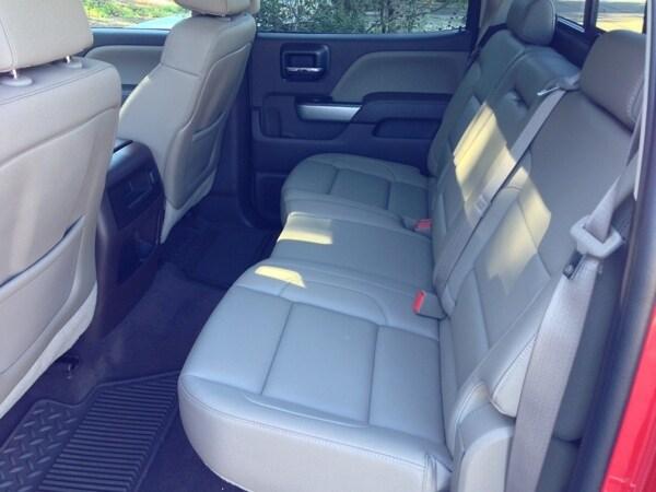 Editors' Page: 2015 Chevrolet Silverado 32