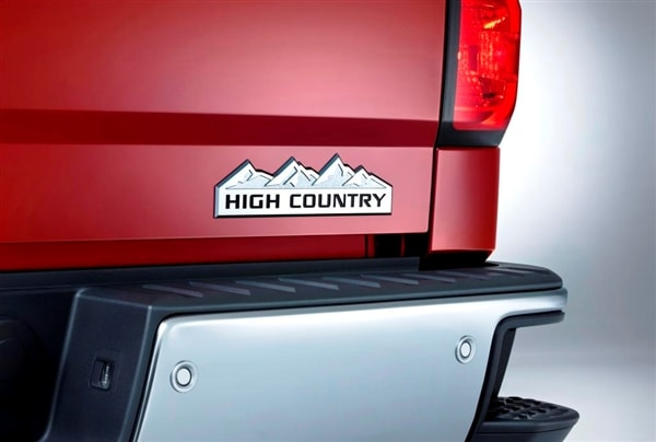 Range-topping 2014 Chevrolet Silverado High Country revealed 7
