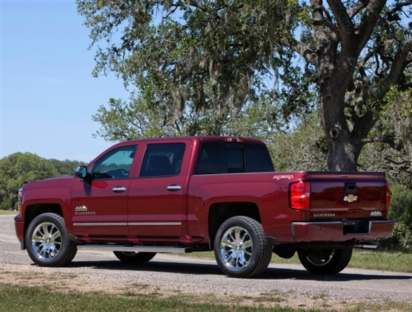range topping 2014 chevrolet silverado high country revealed kelley blue book. Black Bedroom Furniture Sets. Home Design Ideas
