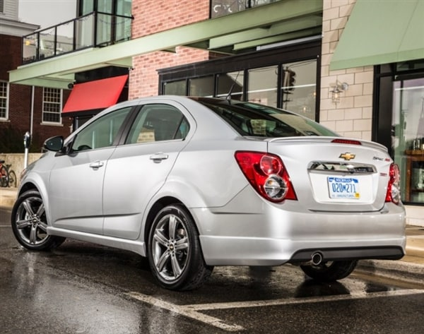 2014 chevrolet sonic rs and sonic dusk sedans join the lineup