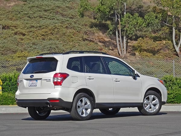 2014 compact suv comparison subaru forester kelley blue book. Black Bedroom Furniture Sets. Home Design Ideas