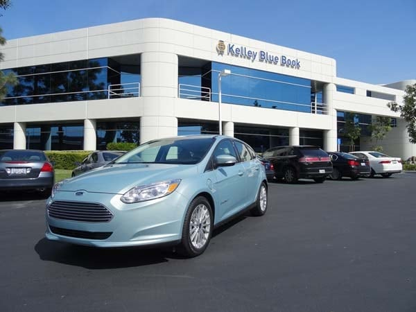 2014 ford focus electric quick take undercover ev kelley blue book. Black Bedroom Furniture Sets. Home Design Ideas