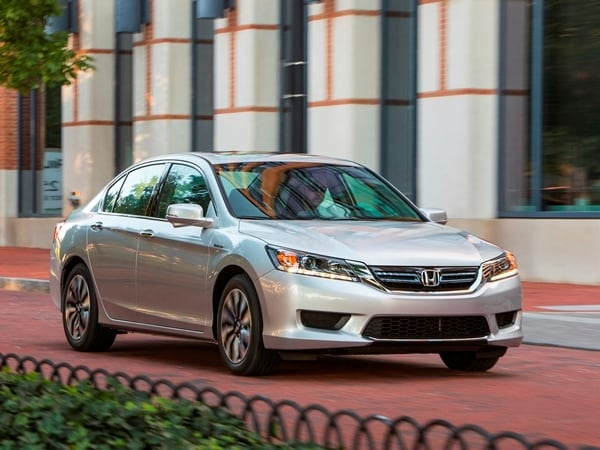 2014 Honda Accord Hybrid First Review: Hitting 50 mpg and Beyond 2