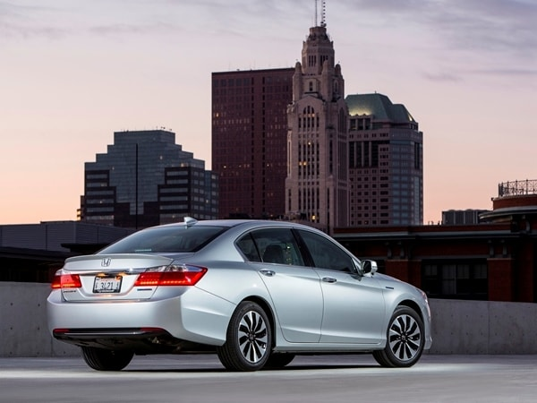 2014 Honda Accord Hybrid First Review: Hitting 50 mpg and Beyond 3