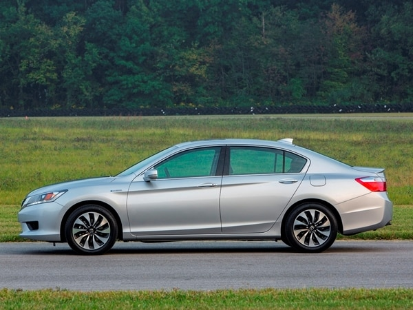 2014 Honda Accord Hybrid First Review: Hitting 50 mpg and Beyond 5