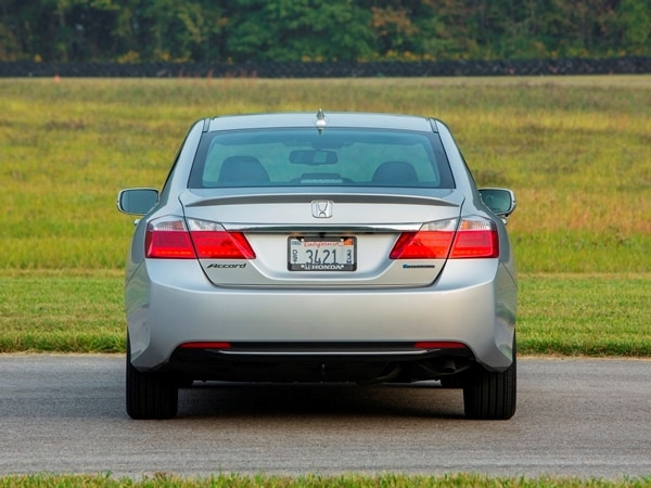 2014 Honda Accord Hybrid First Review: Hitting 50 mpg and Beyond 7