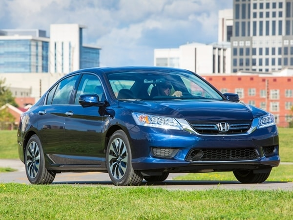 2014 Honda Accord Hybrid First Review: Hitting 50 mpg and Beyond 8