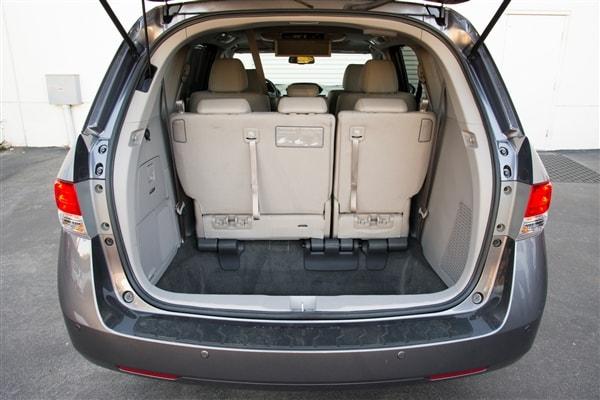 12 Best Family Cars: 2014 Honda Odyssey 10