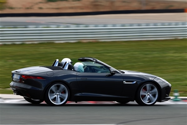 2014 Jaguar F-Type First Review: Driving the Future, Feeling the Past 4