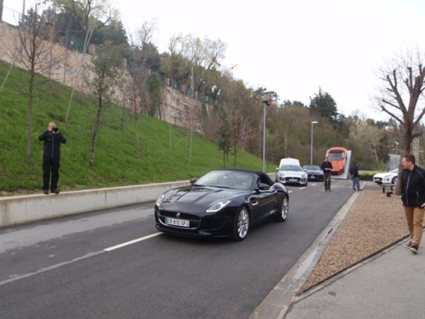 2014 Jaguar F-Type First Review: Driving the Future, Feeling the Past 11