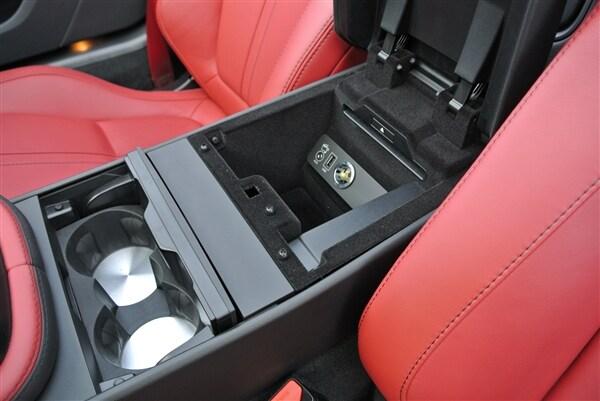 Editors' Page: 2014 Jaguar F-Type 13