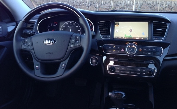2014 Kia Cadenza First Review: Kia's Biggest Deal Yet 7
