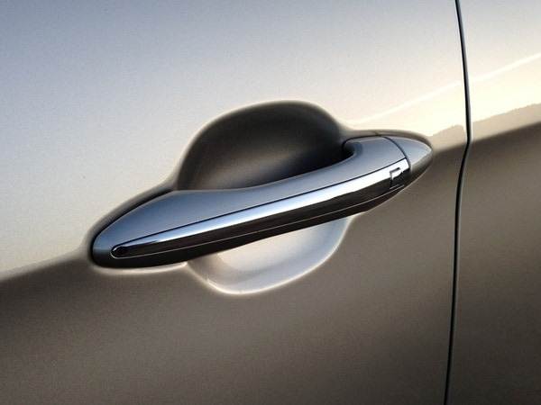 2014 Kia Cadenza First Review: Kia's Biggest Deal Yet 14