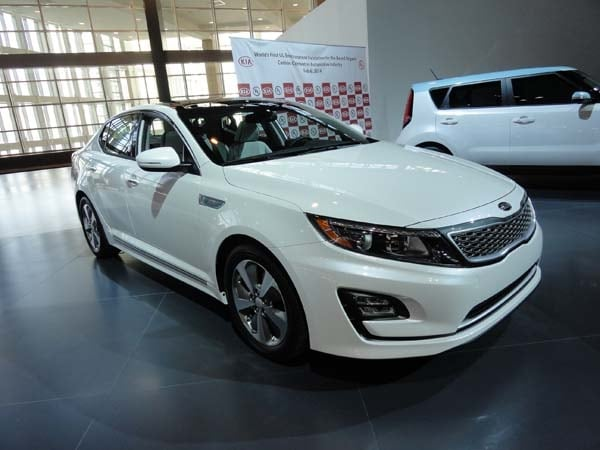 2014 Kia Optima Hybrid adds sharper style and more features | Kelley ...