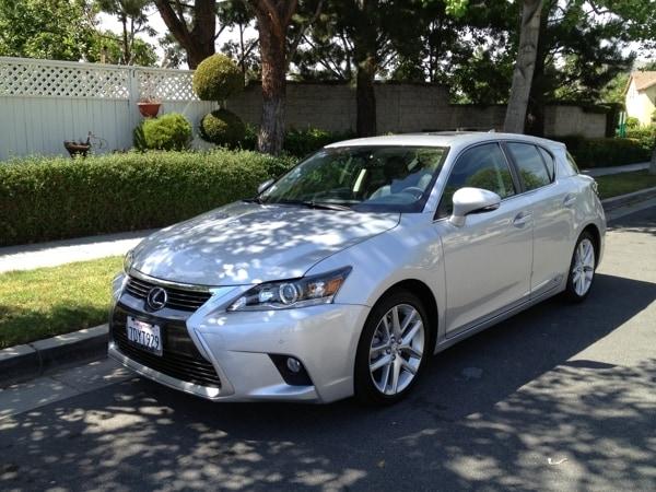 Best Midsize Luxury Sedan >> 2014 Lexus CT 200h hybrid Quick Take - Kelley Blue Book
