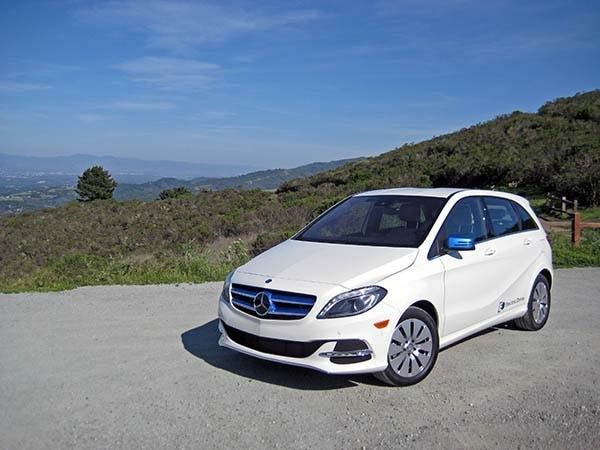 2017 Mercedes Benz B Cl Electric Drive First Review