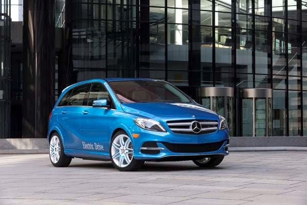2014 mercedes benz b class electric drive first review kelley blue book. Black Bedroom Furniture Sets. Home Design Ideas